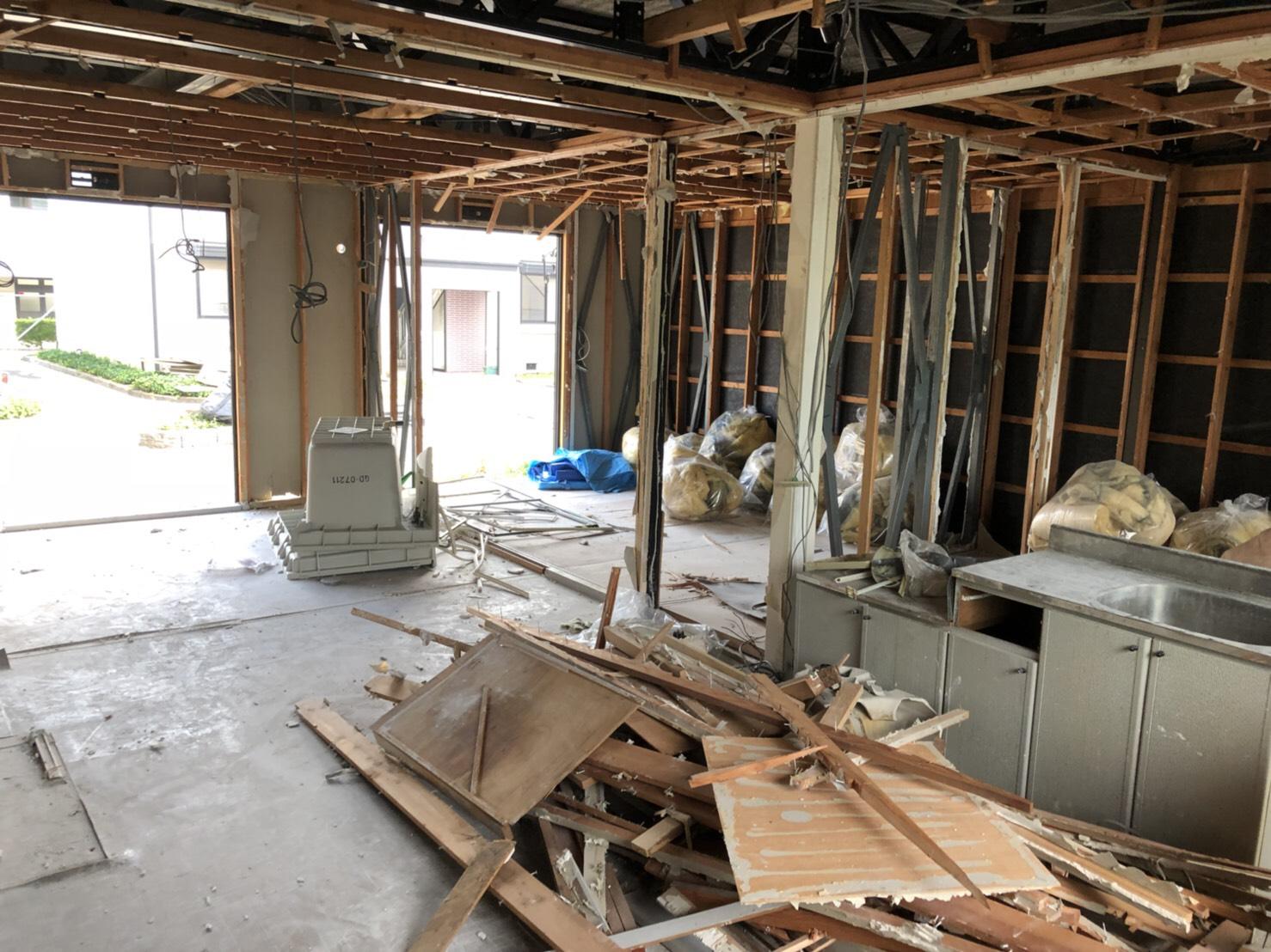 アパート内装解体工事施工中